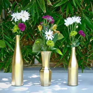 Bring some bling to your wedding reception with diy vases kcouture do it yourself weddings have grown in popularity over the past few years causing many brides to take a more hands on approach to planning their weddings solutioingenieria Choice Image